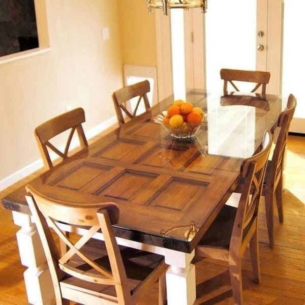 Дачный стол из старой двери - дешево и стильно