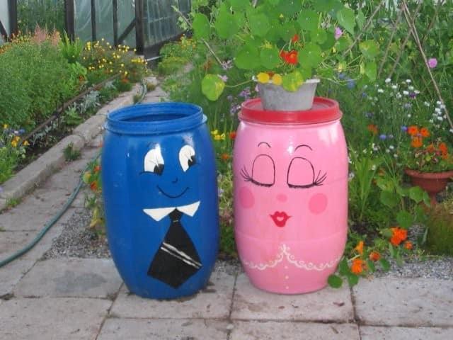 Интересные идеи декора бочек для воды