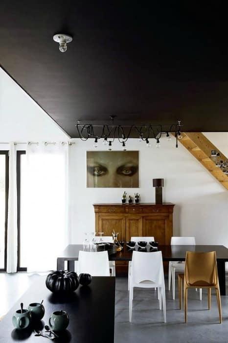 Черно-белый интерьер французского дома