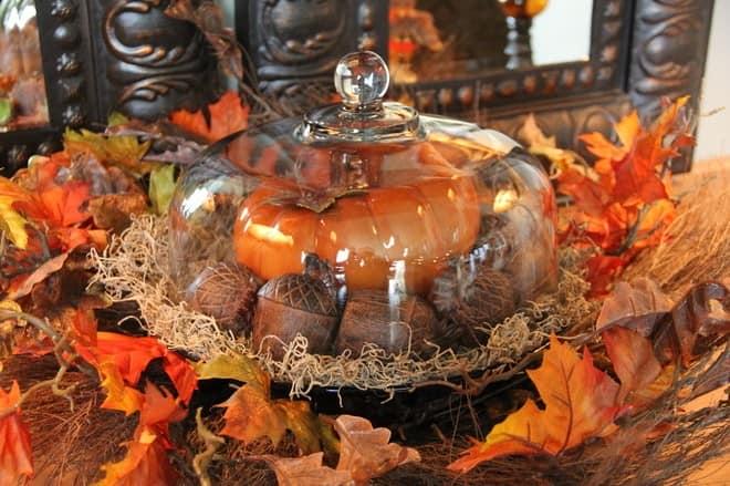 Традиционные элементы декора гостиной к осени