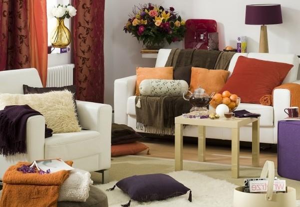 Украшение гостиной к осени при помощи текстиля
