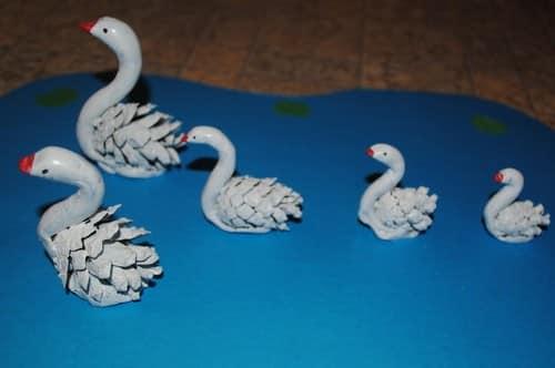 Как из шишек сделать лебедей из 592