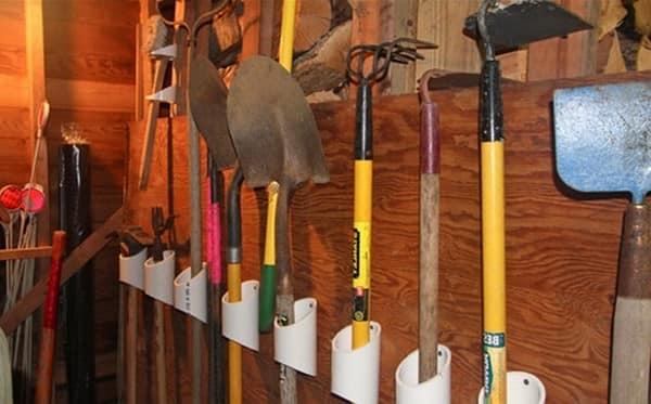 Держатель для садовых инструментов своими руками