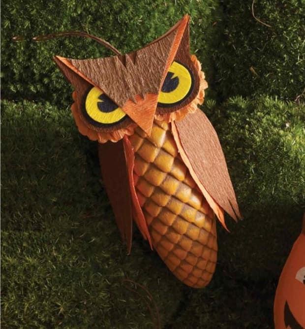 Поделка из сосновой шишки сова
