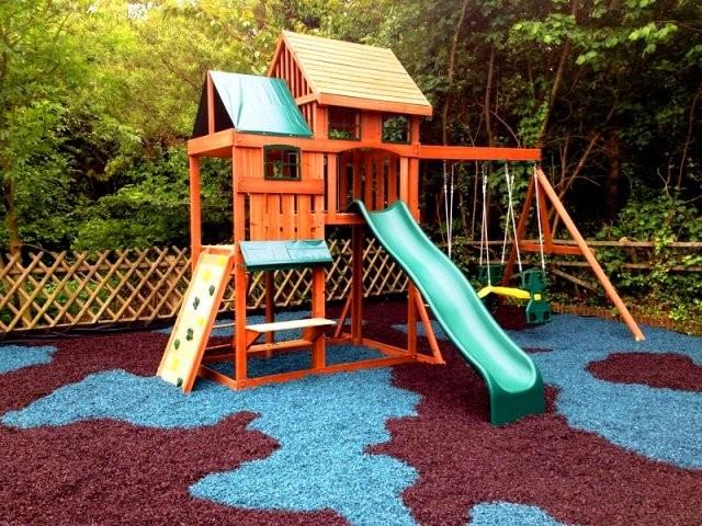 Оформление детской площадки декоративной щепой