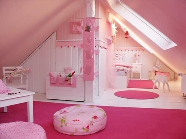 Идеи интерьера детской комнаты на чердаке (мансарде)