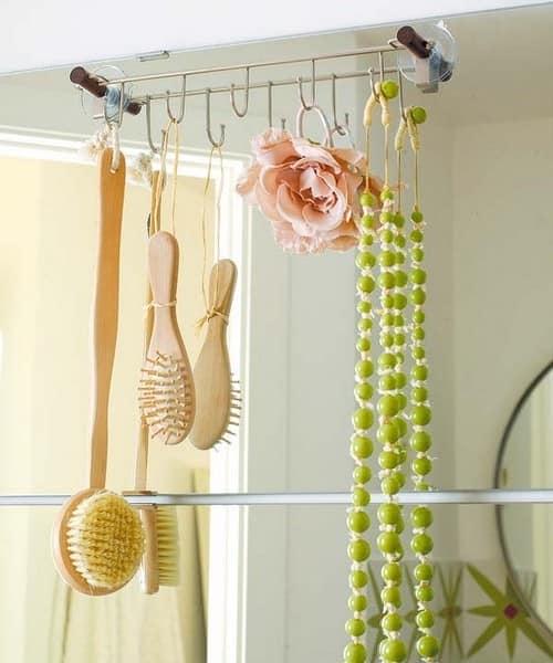 Крючки для хранения вещей в ванной комнате