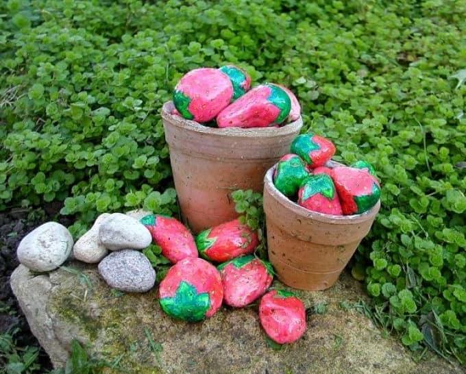 Элементы декора сада из камней