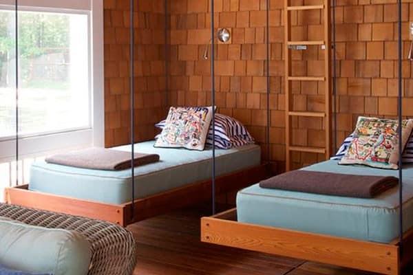 Подвесные кровати в интерьере детской комнаты