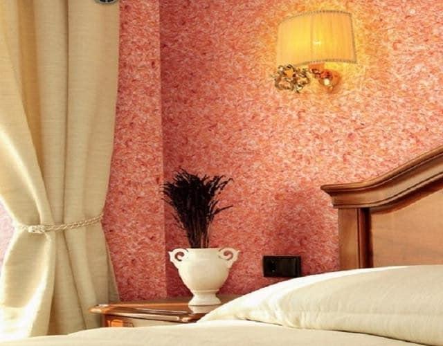 Оформление стен в спальне жидкими обоями
