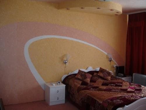 оформление стен в спальне идеи декора 54 фото