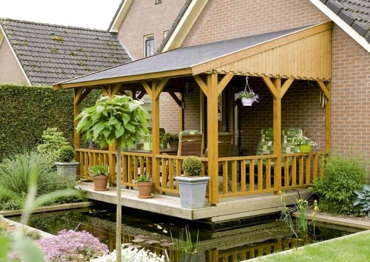 Простая деревянная веранда - пример
