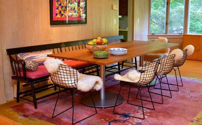 Ковер в интерьере экзотической столовой