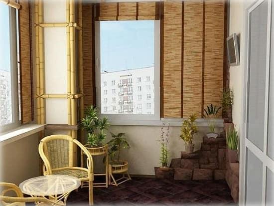Маленький балкон в эко-стиле