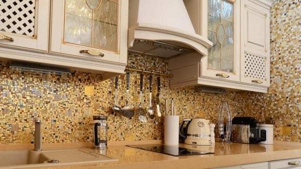 Мозаика в интерьере кухни