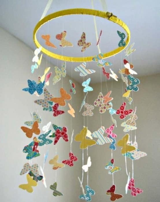 Мобиль для детской с бабочками