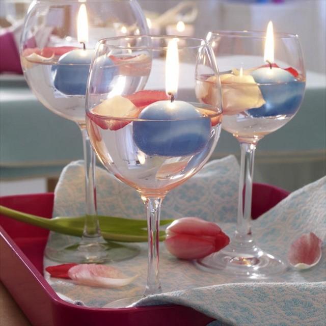 Плавающая свеча в чаше бокала