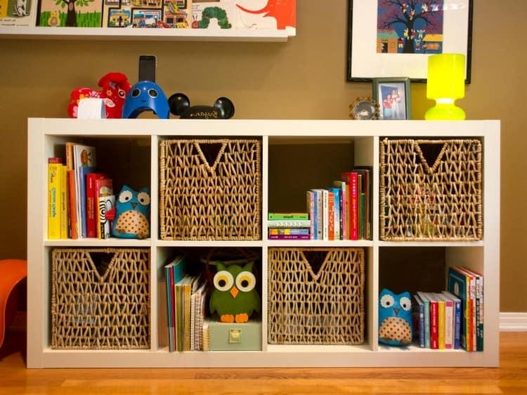 Плетеные корзинки для хранения вещей в детской
