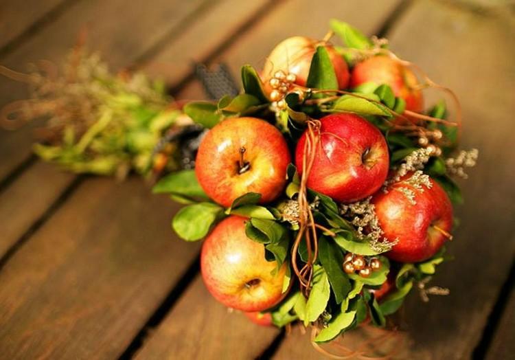 Идеи для осеннего букета с яблоками