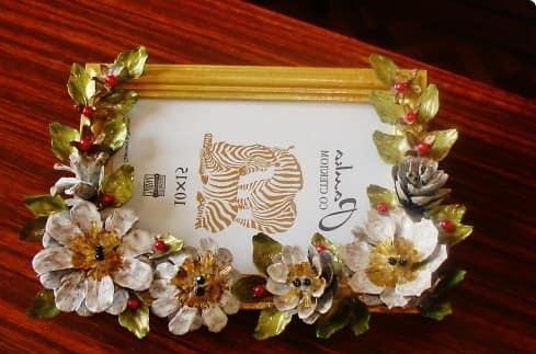 Рамка для фото из осенних цветов