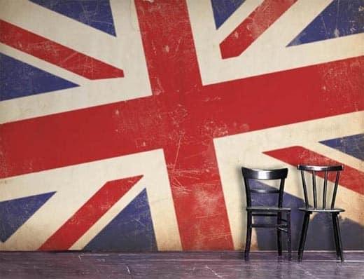 Британский флаг на обоях и стенах в доме