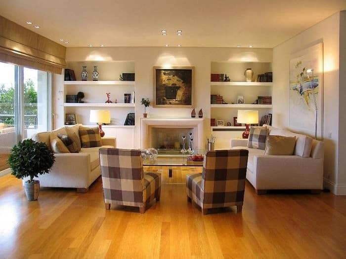 Ниши в интерьере гостиной для декора дома