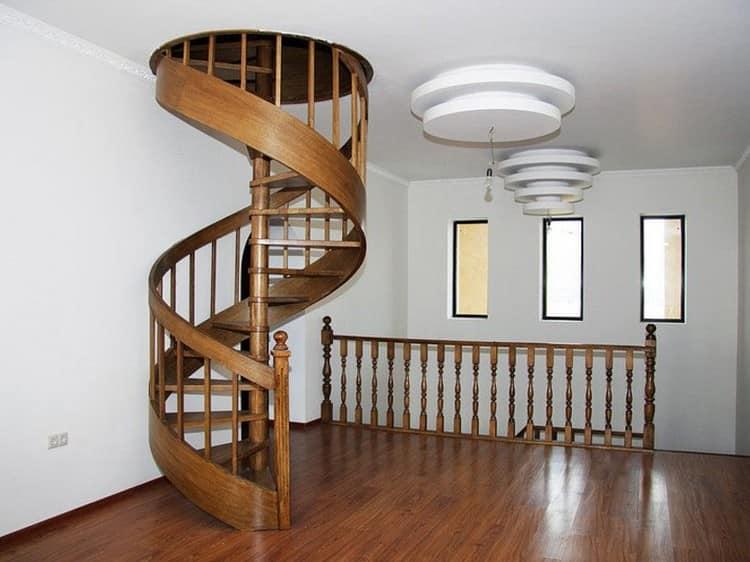Витая чердачная лестница в интерьере