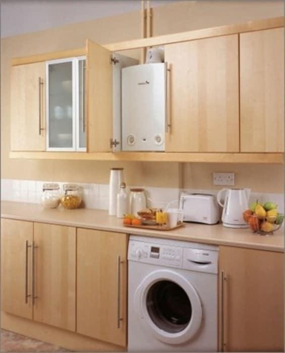 Маленькая кухня 6 кв. м с газовой колонкой в шкафу