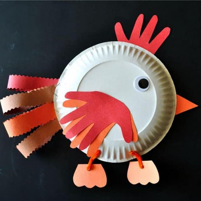 Простая поделка с детьми - петух из бумажной тарелки