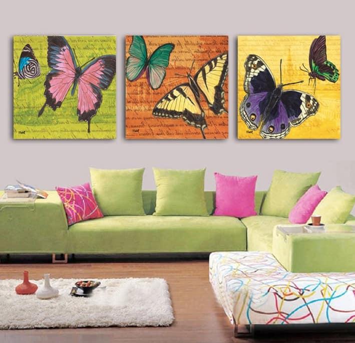 Бабочки на картинах кажутся не менее живыми, чем объемные наклейки на стенах