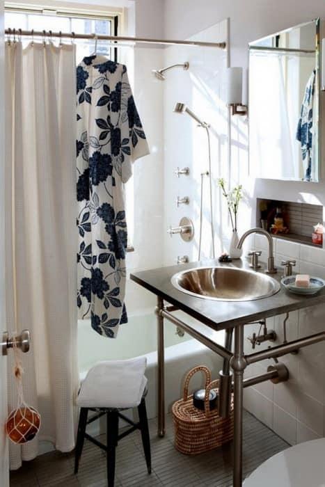 Использование стальной мебели в ванной