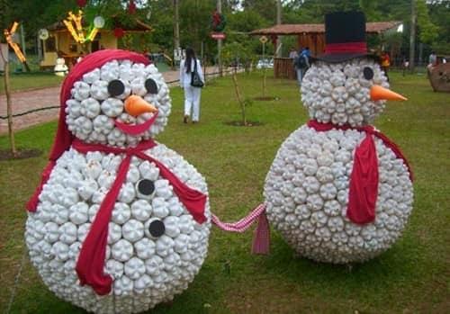 Шикарный большой снеговик из пластиковых бутылок
