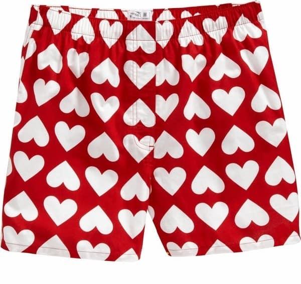 Смешной подарок на 14 февраля - нижнее белье с сердечками для парней с хорошим чувством юмора