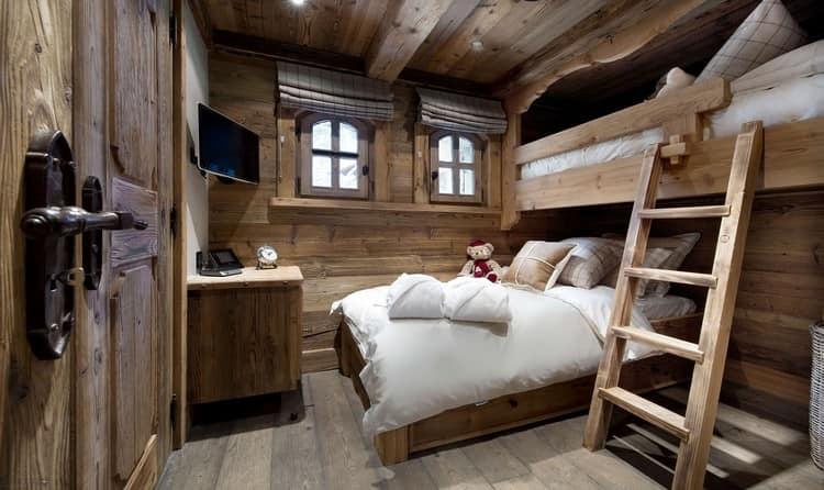 Фото интерьера небольшого деревянного частного дома