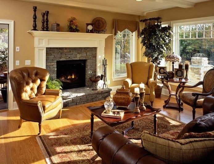 Классический интерьер зала в частном доме