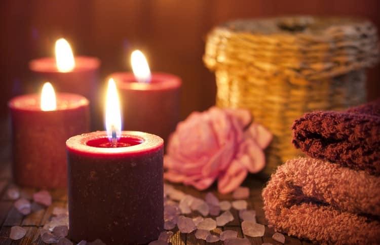 Свечи в ванной для релаксации и отдыха