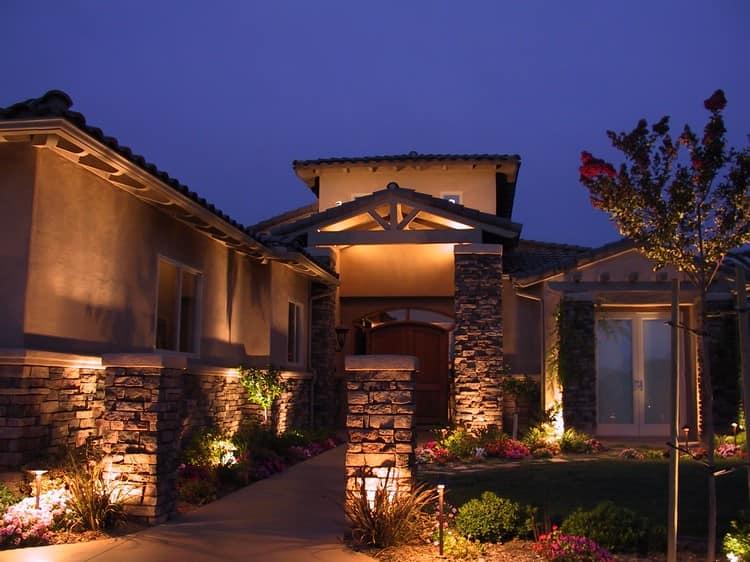 Подсветка фасадов