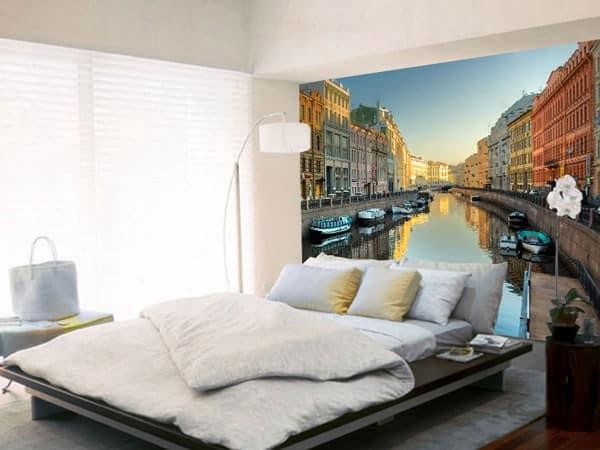 Фотообои Санкт-Петербург: вид на канал над кроватью