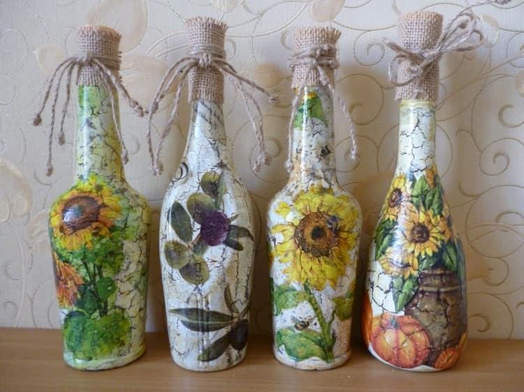 Декупаж стеклянных бутылок своими руками