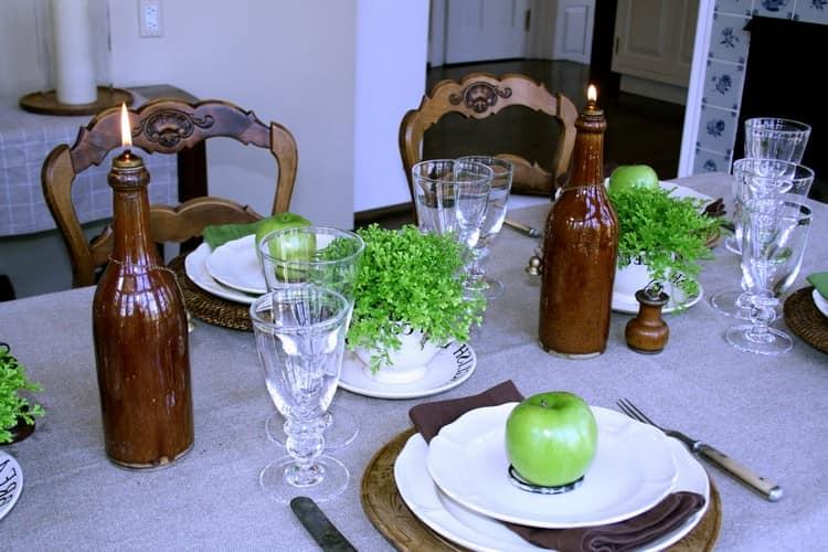 Масляные светильники из бутылок для праздничной сервировки стола