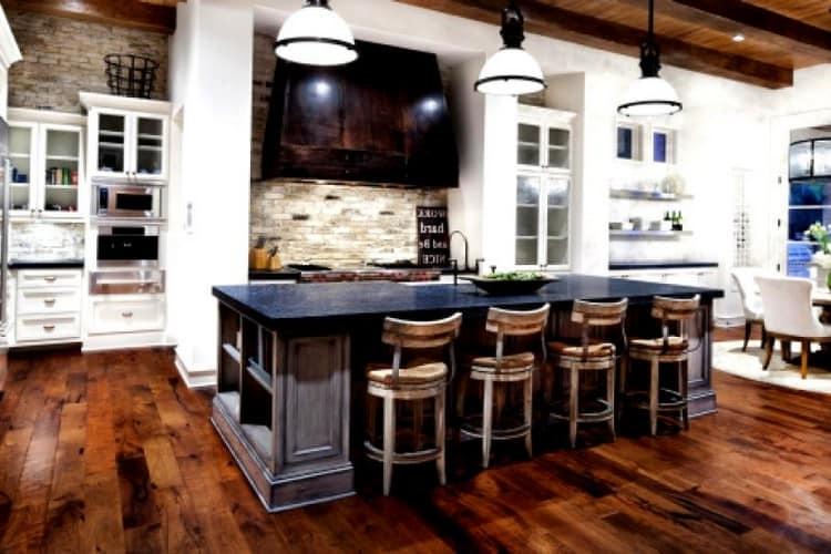 интерьер и дизайн кухни в частном доме 39 фото