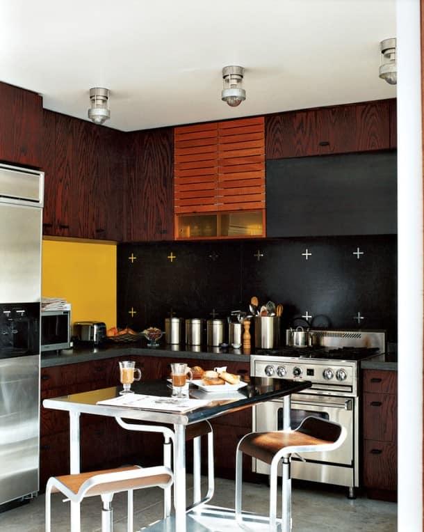 Темные обои для стен - варианты стильных сочетаний (36 фото)
