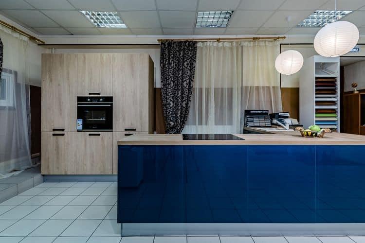 Кухня со встроенной техникой от фабрики «ЗОВ»