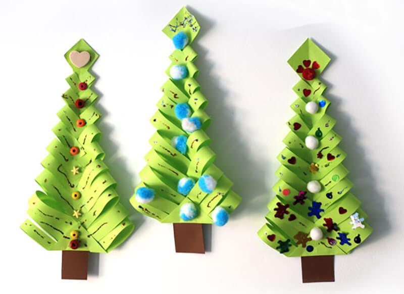 елка из бумаги с помпонами