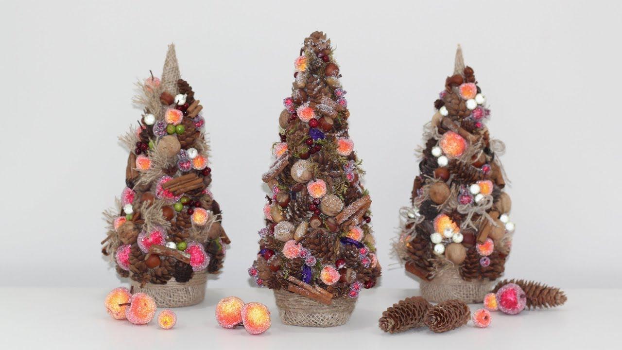 елки из шишек с фруктами