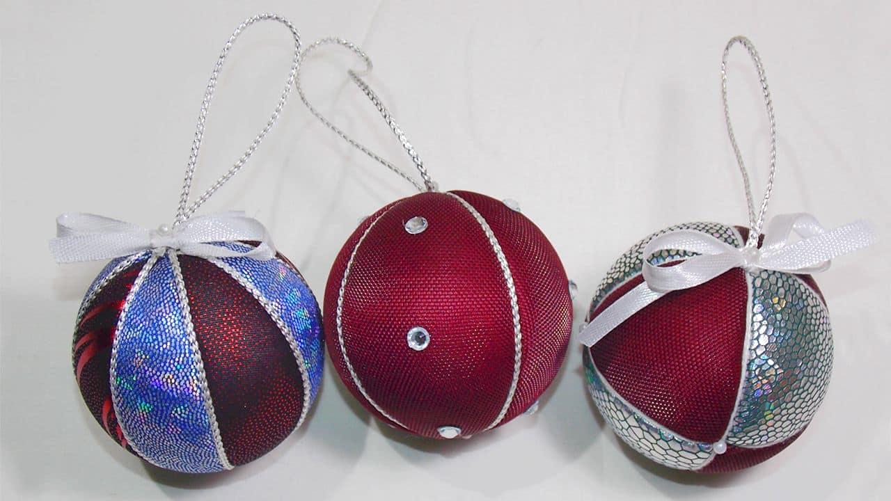 Новогодние атласные шары