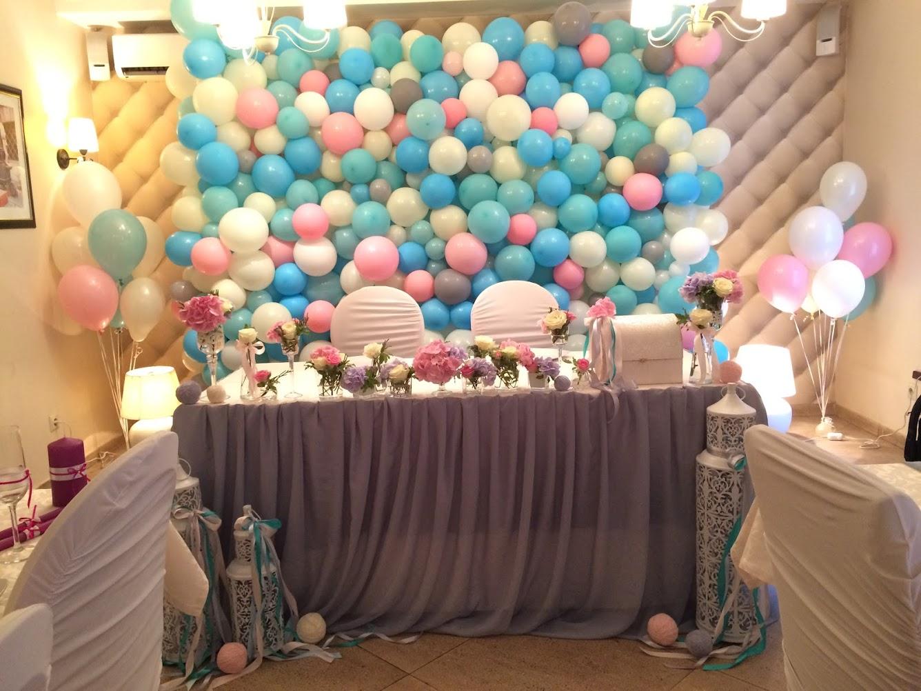 украшение шариками комнаты