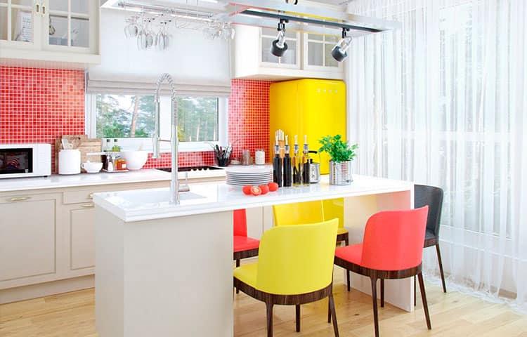 Кухня с яркими акцентами