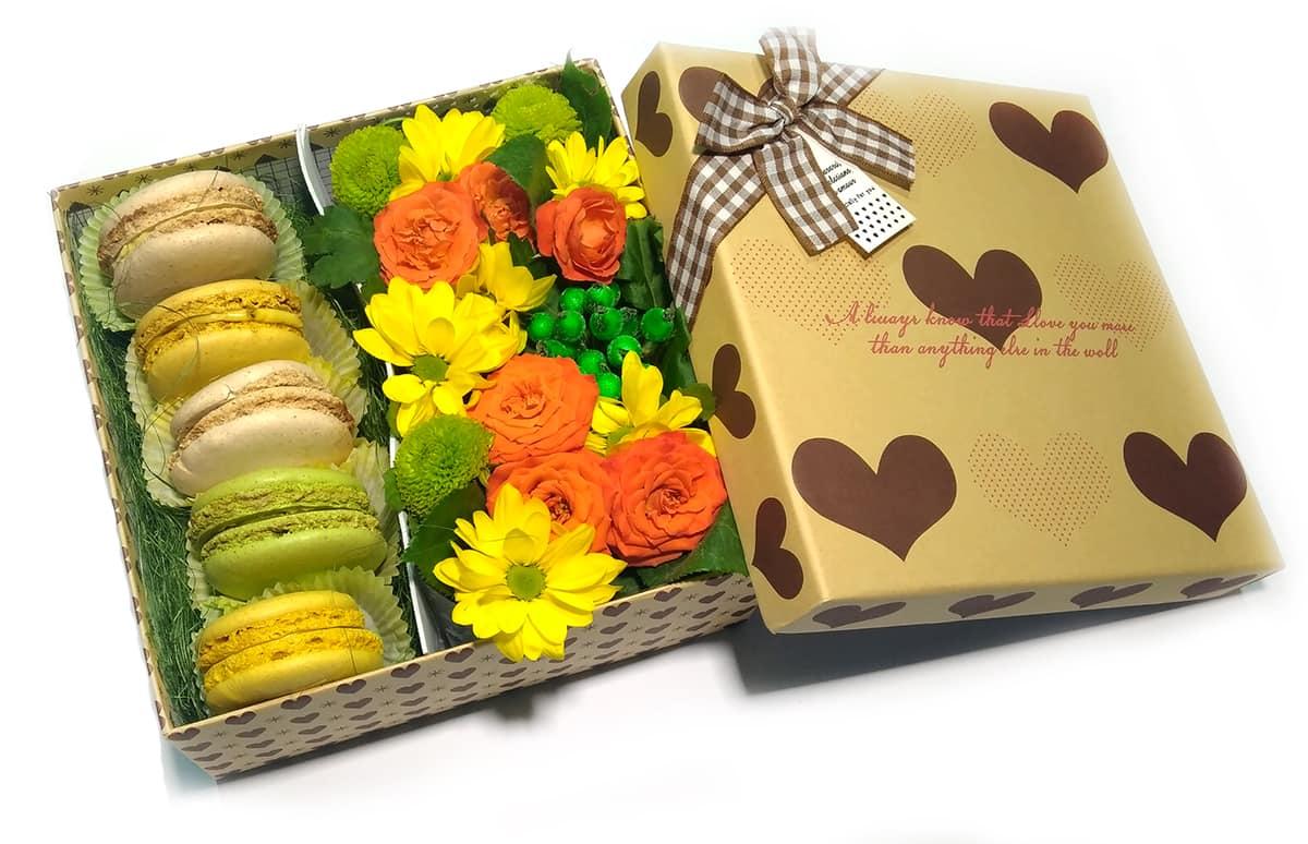 Печенье в подарочной коробке