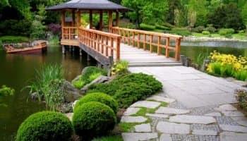 Беседки в садовом дизайне: маленький домик для отдыха на даче (35 фото)